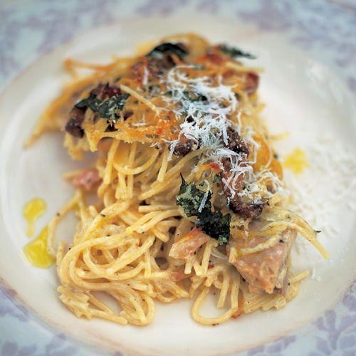 jamie oliver pasta met kip en paddenstoelen uit de oven recept okoko recepten. Black Bedroom Furniture Sets. Home Design Ideas
