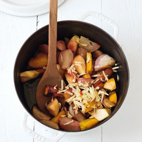 gestoofde koolraap met appel - recept - okoko recepten