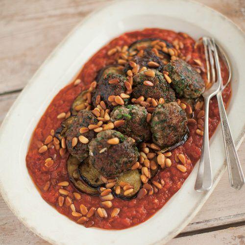 köfte met tomaat en aubergine - recept - okoko recepten