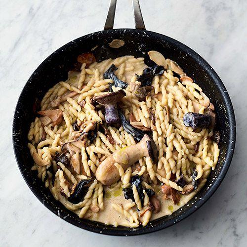 jamie oliver pasta met paddenstoelen en knoflook recept okoko recepten. Black Bedroom Furniture Sets. Home Design Ideas