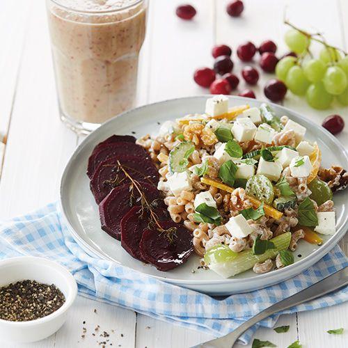 pastasalade met bieten, walnoten, feta en druiven - recept - okoko