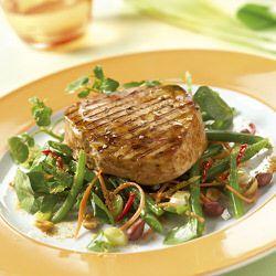 Gegrilde tonijn met paprikasaus recept okoko recepten for Bureau zwaardvis